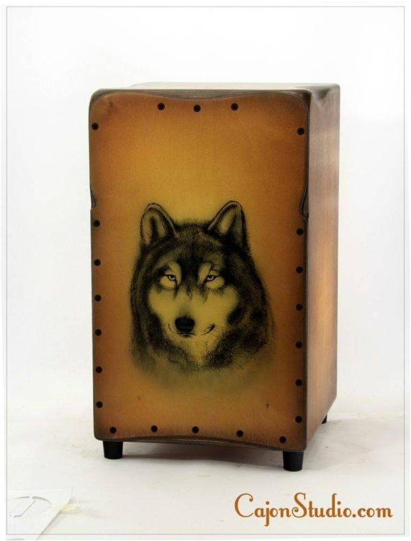 Wolf1-cajon